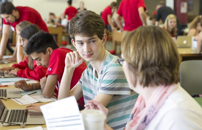 Incoming Students Eagerly Await Fall College Of Letters Science
