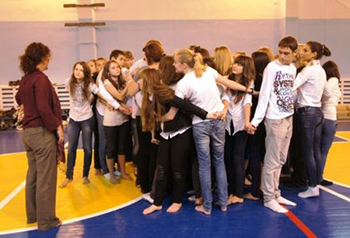 Van de Water led a workshop on theatre for social change with Russian teenagers in 2011 in Rostov, Russia.