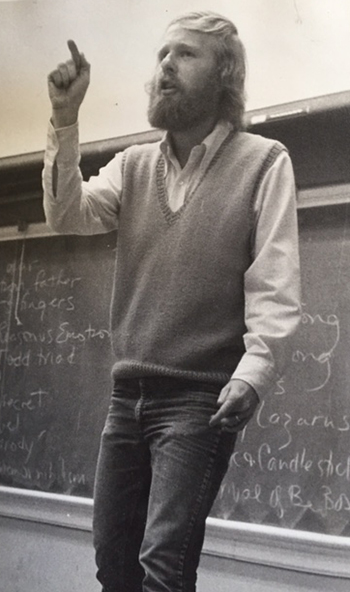 Wallace teaches Intro to Modern Literature to about 300 first-year students in 1978. (Submitted photo)