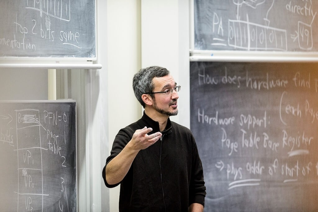 Remzi Arpaci-Dusseau lectures in front of a class